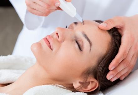 Tratamento de Clareamento Facial